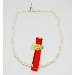 Collana di perle sintetiche...